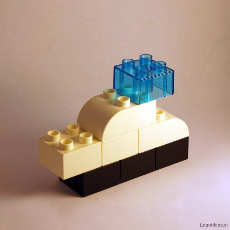 Lego Duplo Bayliner motor boat
