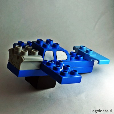 Lego Duplo acrobatic airplane 2
