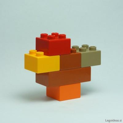 Lego Duplo chicken