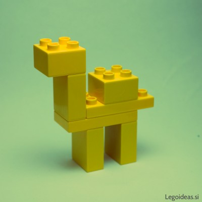 Lego Duplo simple camel